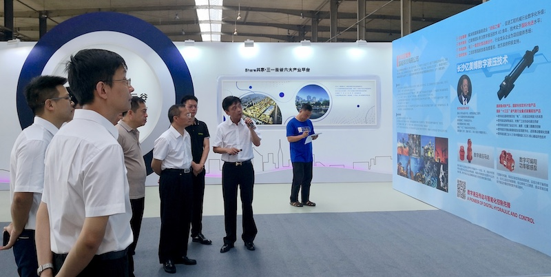长沙市长胡忠雄调研亿美博智能